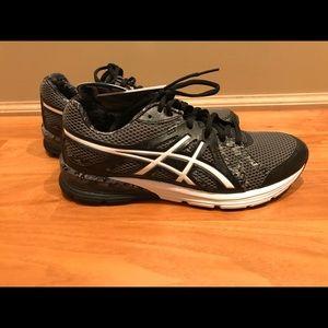 NWT- ASICS Gel-Preleus running shoe sz9